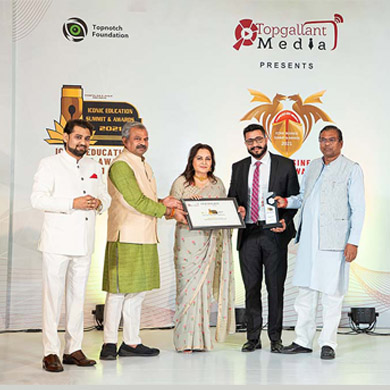Fastest Growing Education Group Award at the iconic Education Summit & Awards 2021
